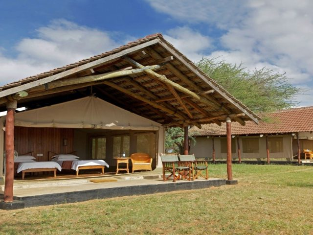 http://goodhopetravel.co.ke/wp-content/uploads/2019/03/ASHNIL-SAMBURU-3-640x480.jpg